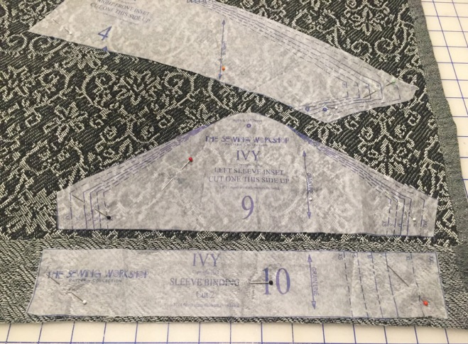 Jacquard pieces cutting