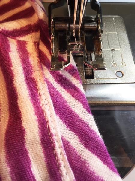 Top-stitching neck band